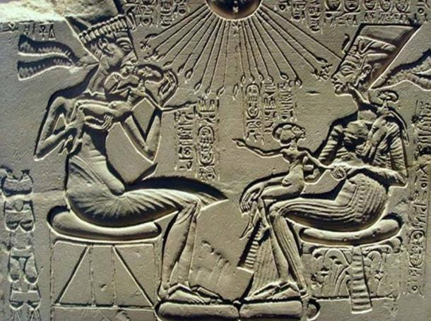 A house altar showing Akhenaten, Nefertiti and three of their daughters. 18th dynasty, reign of Akhenaten