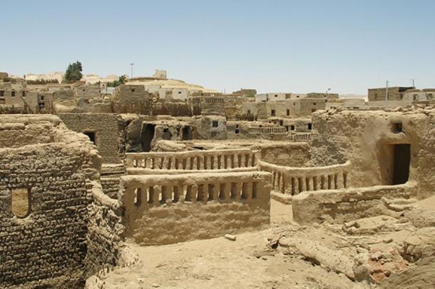 Al-Qasr town at Dakhleh Oasis. (CC BY 2.0)