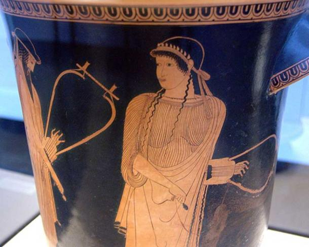 Alcaeus and Sappho. Side A of an Attic red-figure kalathos, ca. 470 BC. From Akragas (Sicily). (Public Domain)
