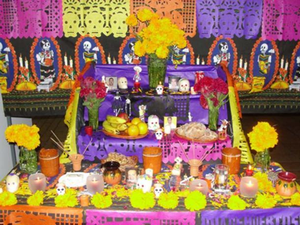 Altar de los Muertos - Street Altar to honor ancestors on the Day of the Dead. (©georgefery.com)