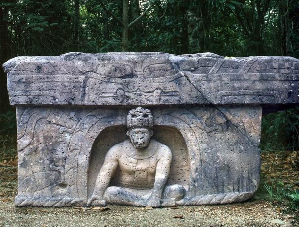 Altar Olmec, La Venta region in Tabasco, Mexico. (James Gaither / CC BY-NC-ND 2.0)