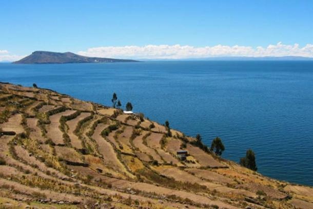 Amantaní (in the distance) viewed from Taquile (in the foreground) on Lake Titicaca, Peru.