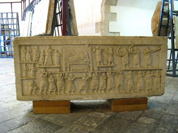 Amiternum funerary procession relief. (Lady Erin/CC BY NC ND 2.0)
