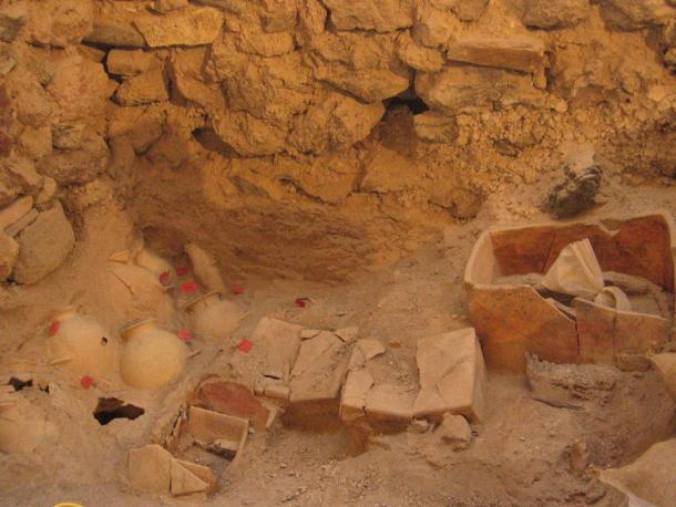 Amphoras and small rectangular clay wrinkles were discovered in Akrotiri, Thera. (Hellenic Ministry of Culture/ Cyclades Ephorate)