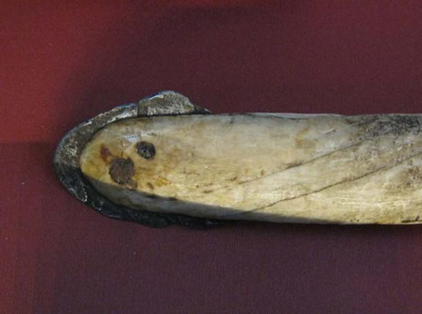 An Inuit lance with an iron meteorite head (Cape York meteorite) in the British Museum. (geni/CC BY SA 3.0)
