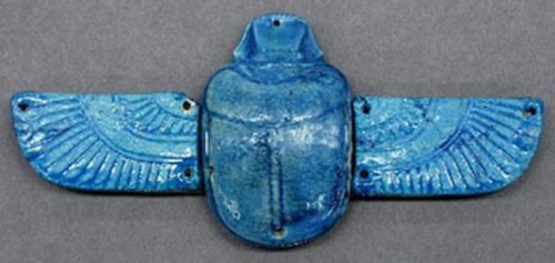 An ancient Egyptian amulet. (Crystalinks)