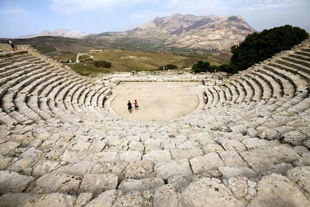 Ancient Greek theatre, Segesta