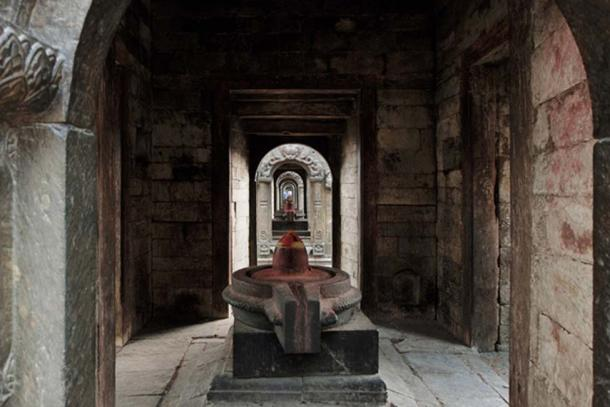 Ancient Indian temple lingam. (Anton / Adobe)