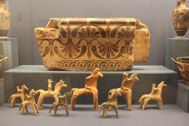 Ancient Greece Bronze Age Ceramic Horses & Riders (Gary Todd / Public Domain)