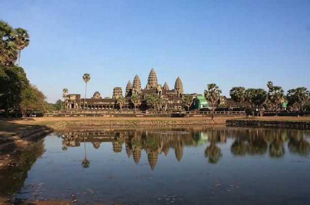 The cult of Devaraja enabled Khmer kings to embark on grand-scale project, such as to build Angkor Wat.