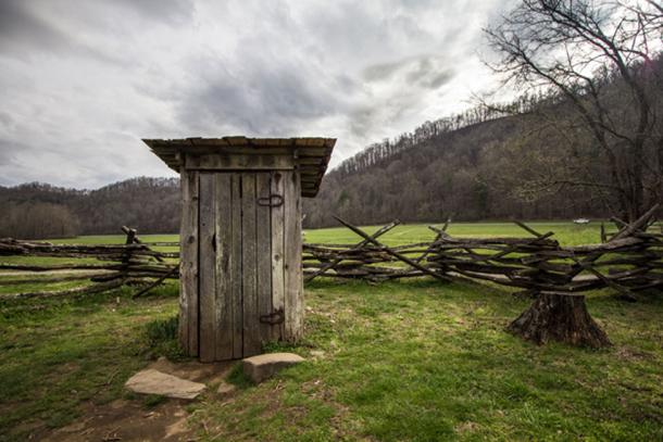 Anne Greene gave birth prematurely while in the outhouse. (ehrlif / Adobe)