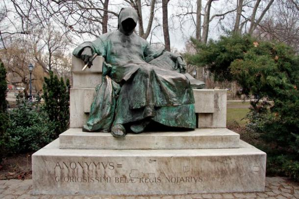 A statue of the Anonymous One, Il Separatio, Budapest, Hungary