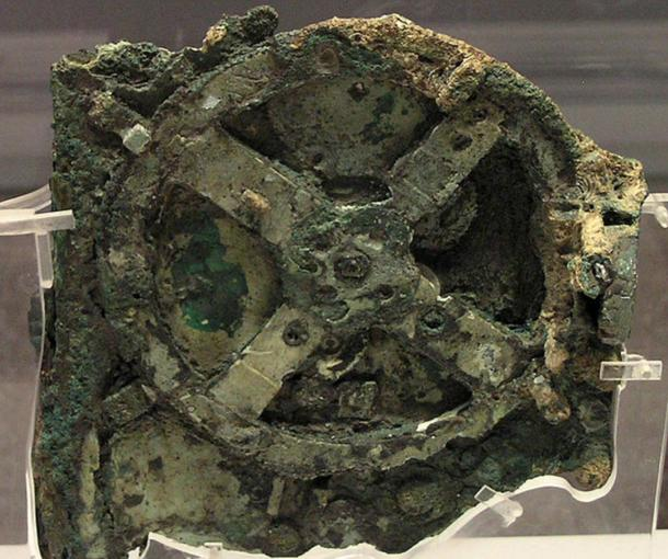 Fragmento A del mecanismo de Antikythera (CC BY SA 3.0)