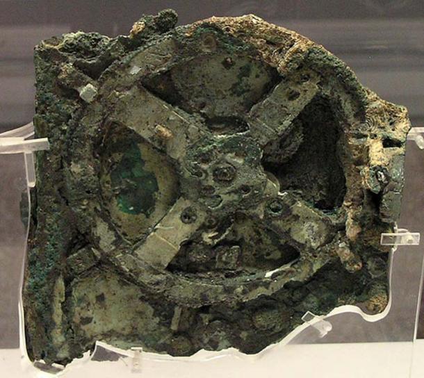 Antikythera mechanism fragment (fragment A)