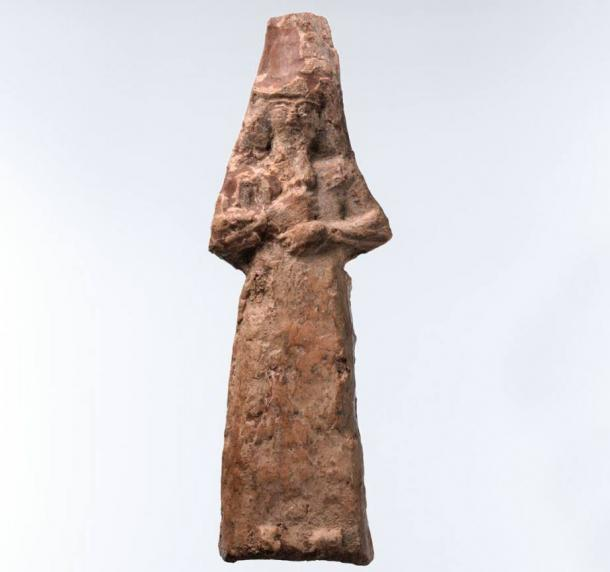 Apkallu figure male with a fish-skin hood. During the Neo-Assyrian period, practitioners of magic protected interior spaces of buildings by depositing an assemblage of figurines beneath the room's floor.