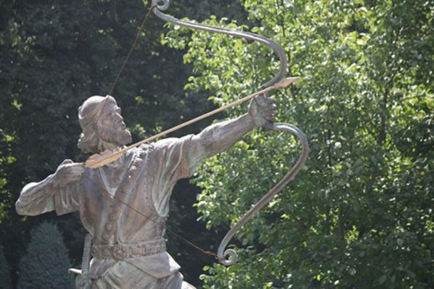Arash the Archer statue in Sa'dābād palace. (Wooerfara3661/CC BY SA 3.0)