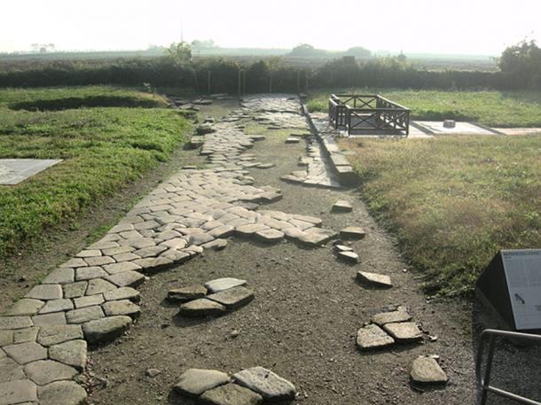 Archaeological evidence found of a Roman road at Altinum.