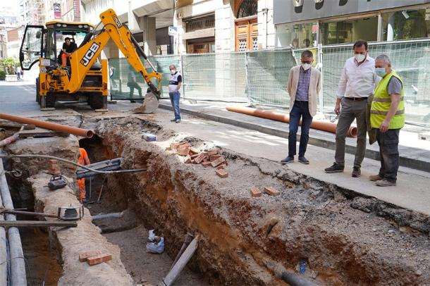 The archaeological excavation on Constitution Street continues in the attempt to find the remains of Red Hugh O'Donnell. (Ayto. de Valladolid / Twitter)