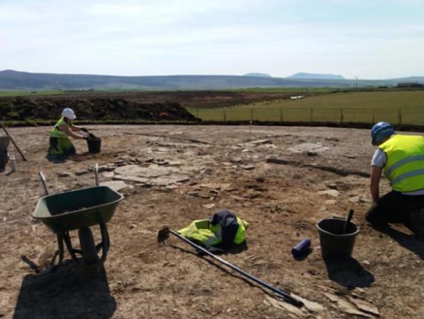 Archaeologists at the site outside Finstown in Orkney where the human figurines were discovered. (Orkney.com)