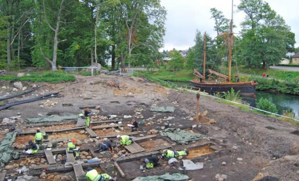 Archaeologists at work in Motala