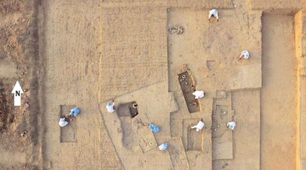 Archaeologists at work at the site of the necropolis in Rakhigarhi. (Image from the researchers' paper/File)