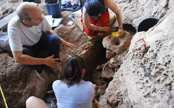 Archaeologists excavating at the Raqefet Cave where evidence of the oldest beer in the world was discovered, August 2018. Image: Dani Nadel, University of Haifa