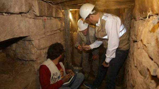 Archaeologists in a subterranean gallery at Chavin de Huantar. (Ministerio de Cultura de Perú)