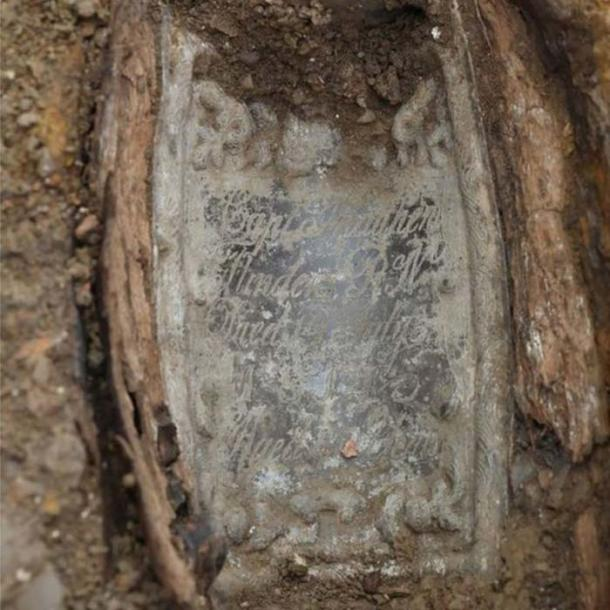 Archaeologists were able to identify the remains of the explorer by a lead plate placed on top of his coffin. (HS2)