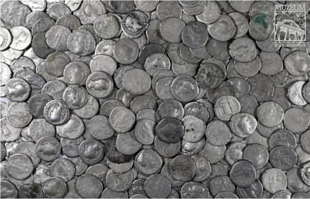 Archaeologists think that the denarii coins were abandoned in the last stand of the Vandals before fleeing the area after conflicts with the Goths at the end of the second century AD. (Stanisław Staszic / Muzeum Hrubieszow)