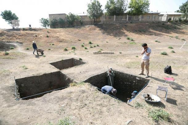 Archaeologists at work on Hegmataneh hill where the new Iranian Median Empire discoveries were made (IRNA)