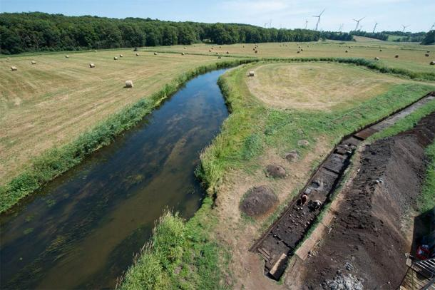 Archaeologists have been systematically searching a section along the Tollense river for more than 10 years. (©: Stefan Sauer / Tollense Valley Project)