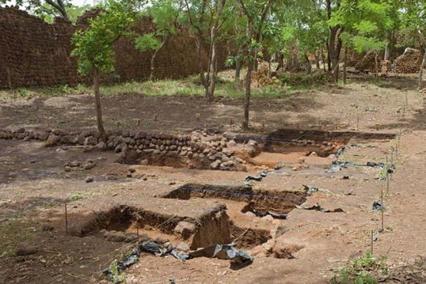 Archeological excavations at the ruins, May 2016. (Rik Schuiling / CC BY-SA 4.0)