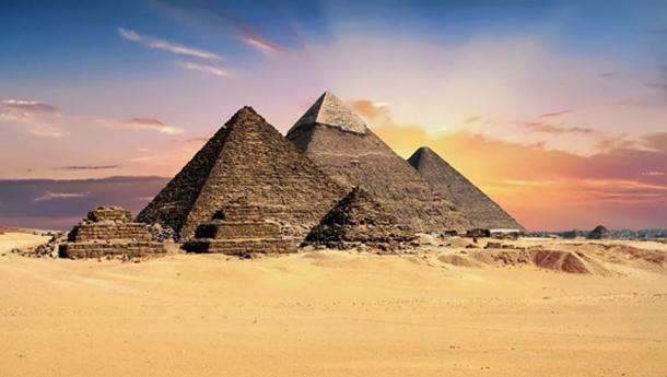 Are the Pyramids contemporaries of the Medicine Wheels? (Public Domain)