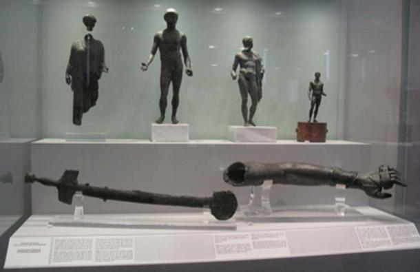 Artifacts from the Antikythera Shipwreck. (Magnus Manske / CC BY-SA 2.0)