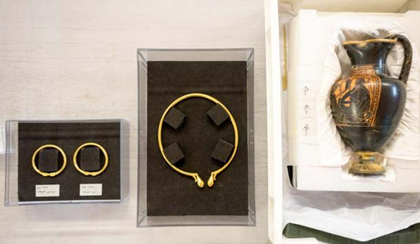 Artifacts from the Celtic Lavau Prince's tomb.