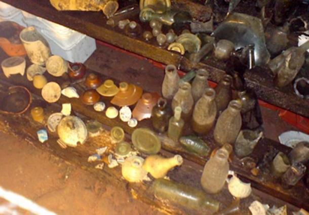 Artifacts such as a vast assortment of bottles have been excavated from the Williamson Tunnels. (Cheekablue / CC BY-SA 2.0)