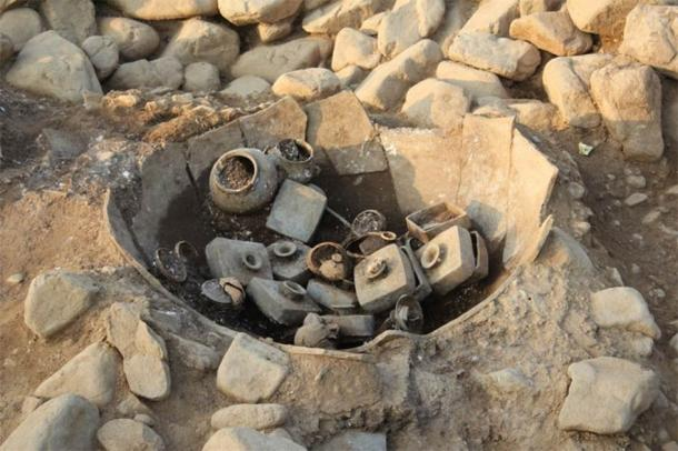 Artifacts as they were found at the Seobongchong excavation site. (National Museum of Korea)