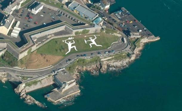 Artist's impression of what the chalk-hill figures on Plymouth Hoe may have looked like. (Image via Author)