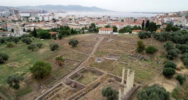 Ashes from Santorini have been found in excavations at Smyrna. (Image: Daily Sabah/AA)