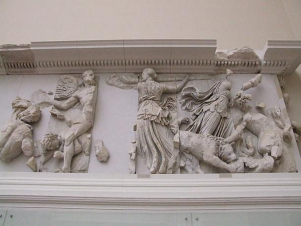 Asteria and Phoebe on the Pergamon Altar.