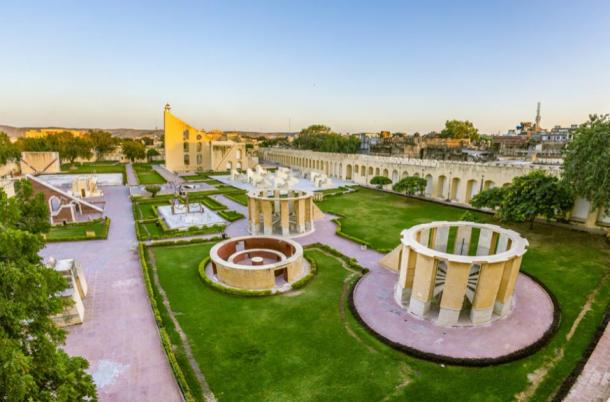 Astronomical instrument at Jantar Mantar observatory – the Rama Yantra. (travelview / Adobe Stock)
