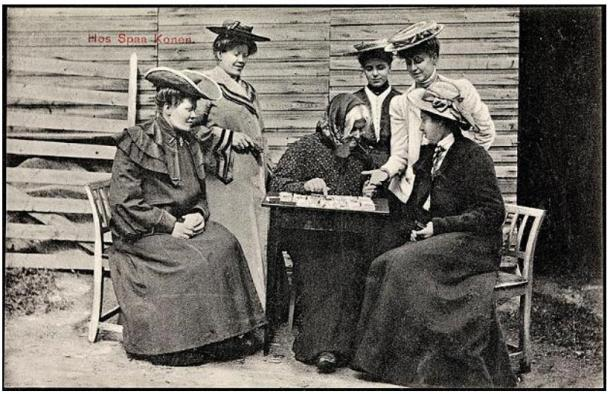 Postcard 'At the Fortune Teller.