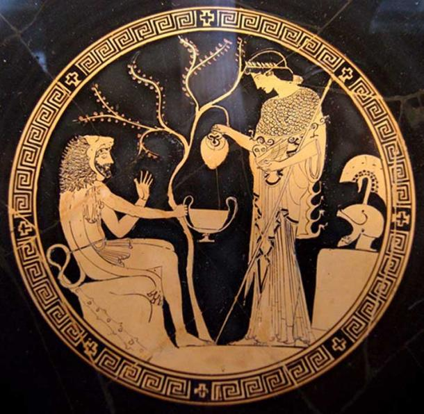 Athena and Heracles on an Attic red-figure kylix, 480–470 BC.