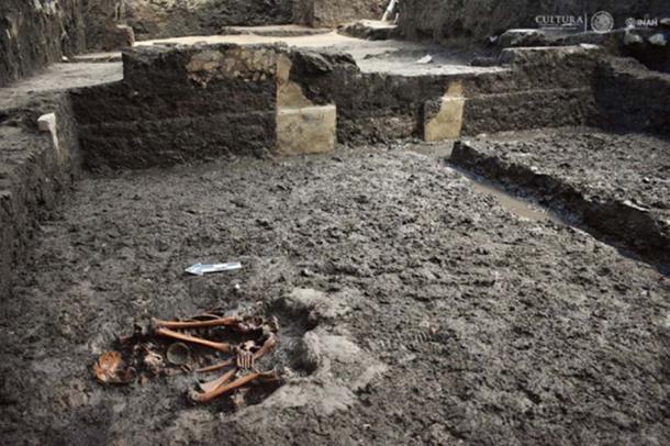 Human remains at the Aztec site of Colhuacatonco [Credit: María de la Luz Escobedo, INAH]