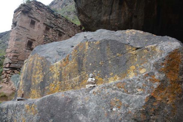 Back of the Ñaupa Waka stone altar. (Munay Medicine)