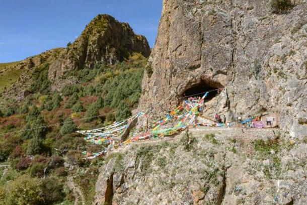 Baishiya Karst Cave in Xiahe, China. (Dongju Zhang, Lanzhou University)