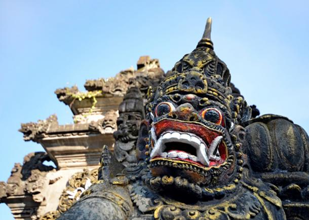 Barang mask at the entrance to Tanah Lot. (tr3gi /Adobe Stock)