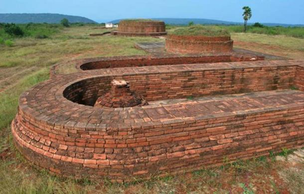 Bavikonda Buddhist Archaeological Site. (Public Domain)