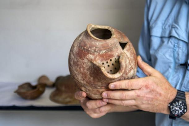 Beer cruse from Tel Tzafit/Gath archaeological digs, from which Philistine beer was produced. Image: Yaniv Berman, courtesy of the Israel Antiquities Authority