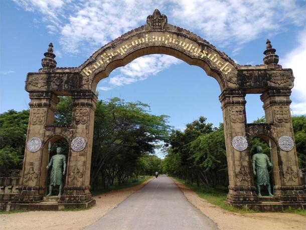The gates of Beikthano, the historical Pyu site of Myanmar (CC BY-SA 4.0)